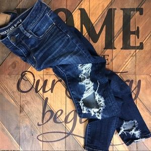 American Eagle | Destructed Hi- Rise Jegging